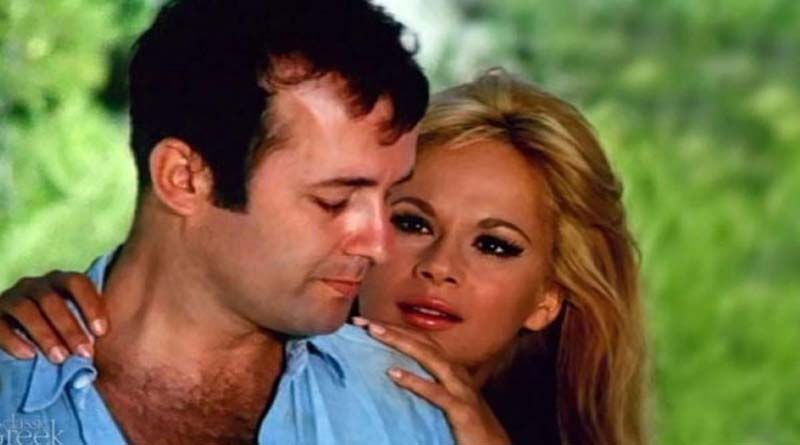 Dating μορφή βομβαρδισμού Πόσο καιρό πρέπει να περιμένεις να φιλήσεις κάποιον που βγαίνεις